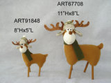Terreno boscoso diritto della renna della decorazione di natale