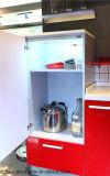 Gabinete de cozinha lustroso elevado do apartamento