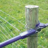 農場の牛ヤギの塀の使用のとげがある鉄ワイヤー