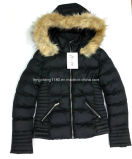 Winter-warme Auffüllen-Umhüllung/Mantel der Frauen