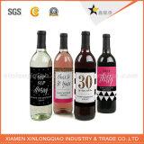 La coutume d'usine a découpé l'étiquette de papier adhésive de collant de bouteille de vin