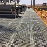 Grating van het Staal van het Gasveld van de hete ONDERDOMPELING Gegalvaniseerde Voor de Vloer van het Platform van de Industrie