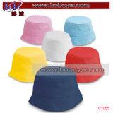 O chapéu do desgaste da praia do feriado de Sun da cubeta de Srtipe ostenta o chapéu (C1052)