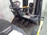 ООН 2.5t LPG/Gasoline удваивает грузоподъемник топлива с первоначально двигателем Nissan K25