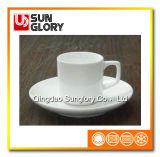 Bd030の磁器のコーヒーカップ・アンド・ソーサー