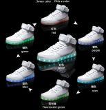 고품질 남자 빛난 단화 LED 스포츠 단화를 증가하는 7개의 색깔