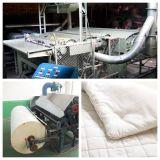 기계를 만드는 누비이불 생산 라인 또는 누비이불