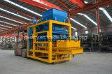 Qtj4-25cの小さい空の煉瓦機械Cocnreteの煉瓦作成機械