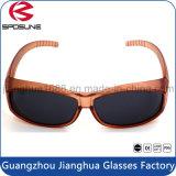 Clip barato de la miopía del marco púrpura rígido de los vidrios en el voleibol protector ULTRAVIOLETA de Traving de las gafas de sol que conduce la lente negra de la pesca