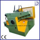 Machine de découpage hydraulique de câblage de rebut