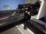 La machine de découpage de laser d'habillement avec l'appareil-photo pour le vêtement folâtre le découpage de procès