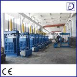 Neumático usado vertical hidráulico que recicla la máquina