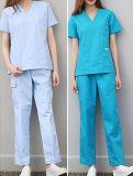 Студентов практики одежд доктора работы фармаций лекарства втулки краткости пальто нюни одежды равномерных белых тонких экспириментально