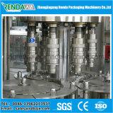 Machine de remplissage et de scellage de bouteilles d'eau
