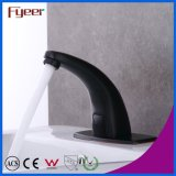 Fyeerの温度の新しい冷たいおよび熱湯の洗面器の黒センサーの蛇口は弁を調節する