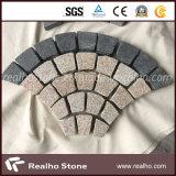 Piedra en abanico del adoquín del granito G682/piedra de pavimentación con el color mezclado G684