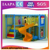 Cour de jeu d'intérieur de gosses ronds mélangés de thème (QL-16-11)