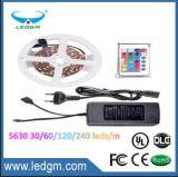 La striscia 2017 del cUL ETL LED dell'UL SMD 5050 5630 3528, impermeabilizza l'indicatore luminoso di striscia flessibile dei 5630 LED con la striscia 12V 24V 110V 220V 230V di RGB LED