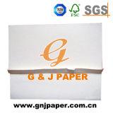 事務用品で使用される高く白く光沢が無い製図用紙