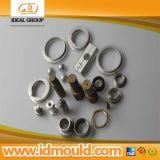 A máquina do CNC parte o protótipo de aço do metal