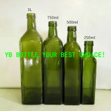 Цвет круглой темноты зеленого цвета бутылок оливкового масла Dorica - зеленый и ясный