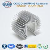 Konkurrierendes Aluminiumkühlkörper-Profil mit dem anodisierenden und maschinell bearbeitenden Silber