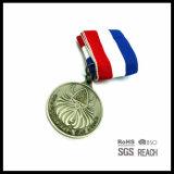 Medallas mundiales de la concesión del baloncesto con las cintas militares del cuello del ejército