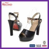 黒いPUカラー女性靴