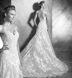 O querido bonito do laço vê completamente o vestido de casamento traseiro das cintas da sereia