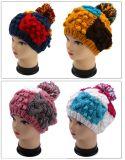 無能フランス手のニットの帽子のかぎ針編みの帽子のベレー帽の冬のギフト
