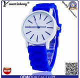 Montre-bracelet neuve de femmes de montre de silicones de Genève de quartz de l'arrivée Yxl-818 2015