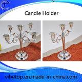 Bello supporto di candela del metallo per la celebrazione di cerimonia nuziale