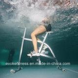 プールのステンレス鋼の水の飛ぶ人のエアロバイク