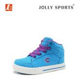 Спортов сбываний способа комфорта ботинки девушок мальчиков малышей горячих вскользь