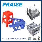 Silla plástica que moldea que hace la máquina, fabricación plástica del molde del taburete