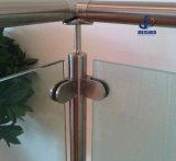 Barandilla del acero inoxidable del balcón con el panel de cristal