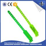 La coutume bon marché des prix de vente chaude badine des bracelets de PVC