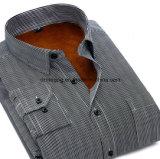 La chemise de trois hommes de couleur