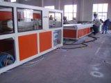 Chaîne de production d'extrusion de profil de PVC et de plastique