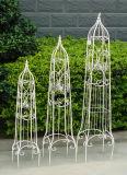 庭の装飾のための高い鉄の花のオベリスク