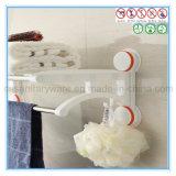 壁に取り付けられたステンレス鋼のシャワータオル棒が付いている浴室のタオル掛け