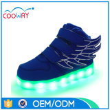 A sapatilha do diodo emissor de luz calç a parte superior elevada, sapatilhas dos homens do diodo emissor de luz, sapatas da sapatilha do diodo emissor de luz do corte da elevação
