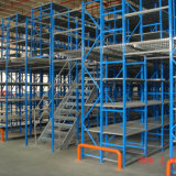 Prateleira do racking do mezanino do armazém