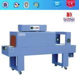 PVC/PEのフィルムのプラスチックびんのラッパーの熱の収縮のパッキング機械Bse4530A