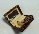 Caja de joyería de cuero de lujo