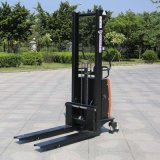 中国のPopular 1.0ton Electric Reach Pallet Stacker (CDSD10)