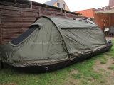 ليل [فيش بوأت] مع خيمة