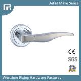 Poignée de porte en alliage de zinc de bonne qualité de serrure Rxz28