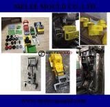 Инжекционный метод литья автомобиля игрушки рукопашного боя пластичный