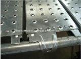 Plancia/scheda d'acciaio con gli ami montati per l'armatura